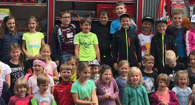 Feuerwehr-Aktionstag für Volksschule und Kindergarten